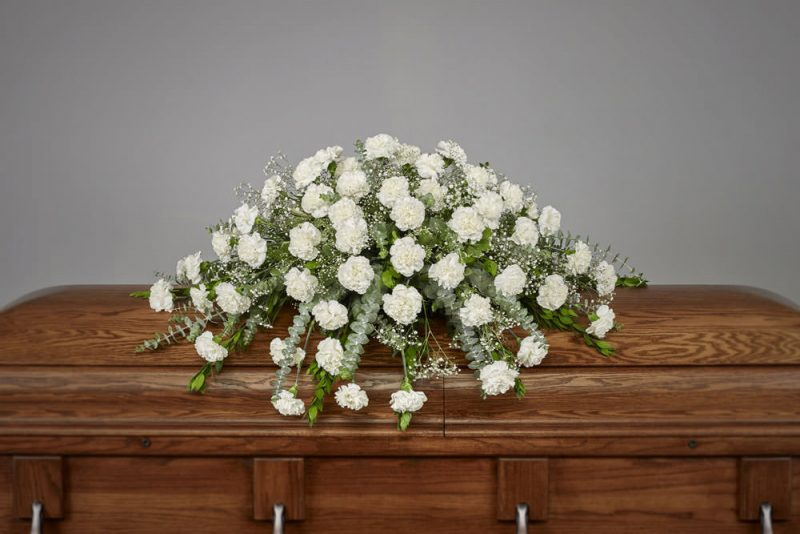 Carnation Casket 800x534 - Carnation Casket Spray